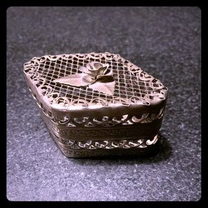 Silver Wire Mesh Jewelry Box with Rose